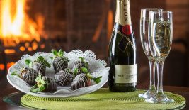wine and chocolate strawberries package at NH romantic hotel